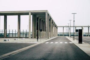 Einfahrtsbereich Flughafen Berlin Brandenburg