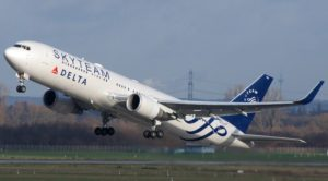 Takeoff Boeing 767 300